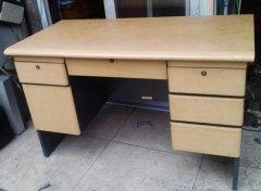 八成新办公桌