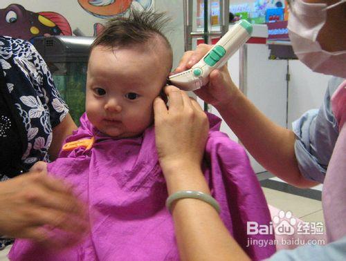 宝宝理发步骤及图片