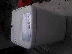 三洋二手洗衣机 七成新