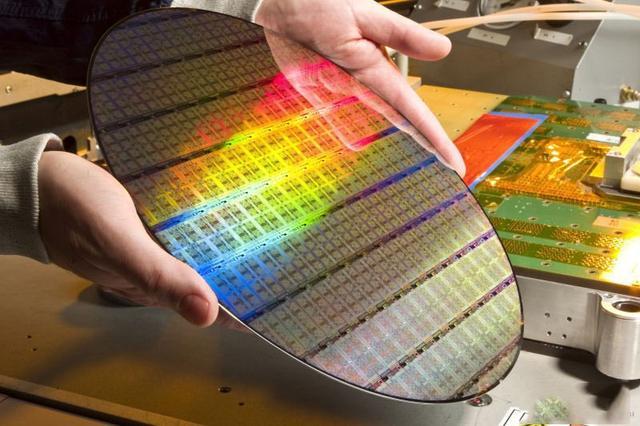 来看PC电脑用的好 明年就看这几项技术了