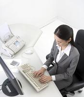 来看上班族常对电脑易得六种病